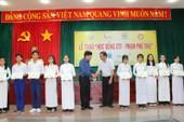 Trao học bổng cho 40 em học sinh nghèo