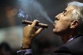 Mang 20 điếu xì gà cũng phải... đóng thuế?