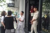 Bảo vệ Khaisilk 'cấm cửa' phóng viên vào cửa hàng