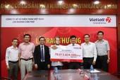 Người may mắn trúng Vietlott tặng 100 triệu từ thiện