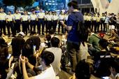 Hong Kong: Hàng trăm người 'tấn công' tòa nhà chính phủ