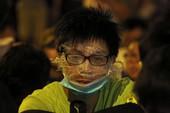 Sinh viên Hong Kong 'tấn công' tòa nhà chính phủ