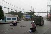 Clip: Thủ Đức ngập, kẹt xe dưới cơn mưa chiều