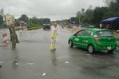 Quốc lộ 1 qua Quảng Ngãi đang bị chia cắt do lũ