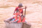 Giải cứu 15 phụ nữ bị mắc lũ ở Quảng Nam