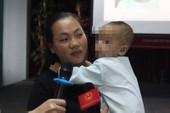 Viêm xoang không chữa, bé 16 tháng suýt bị mù