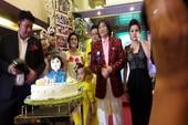 Nghệ sĩ Minh Vương tổ chức sinh nhật lớn kiểu live show