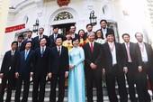 Áo dài phu nhân nguyên Chủ tịch nước ở 'Vị thế VN'