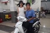 Phan Thị Mơ mua xe giúp cậu sinh viên nghèo