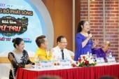Nghệ sĩ Hồng Vân la dạy học trò đi trễ tại họp báo
