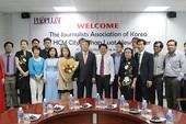 Đoàn Hội nhà báo Hàn Quốc thăm báo Pháp Luật TP.HCM