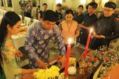 Học trò tề tựu thắp nến tưởng nhớ cố GS.TS Trần Văn Khê