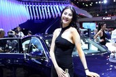 Dàn người đẹp khoe dáng tại VietNam Motor Show 2017