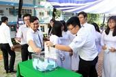 Thầy trò THPT Nguyễn Du góp quỹ 'Vì Trường Sa thân yêu'