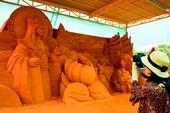 Độc đáo công viên tượng cát có một không hai