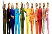 Phụ nữ Mỹ mặc vest Clinton đi bầu