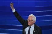 Bernie Sanders ủng hộ biểu tình phản đối Trump