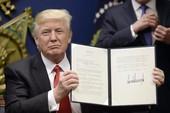 Nhậm chức hơn 10 ngày, ông Trump hứng 52 vụ kiện
