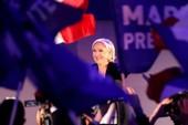 Quyết giành ghế tổng thống, bà Le Pen bỏ đảng cực hữu