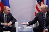 Giải mã cái bắt tay của hai ông Trump và Putin