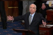 Bất chấp ung thư, nghị sĩ McCain vẫn tái xuất lạc quan