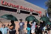 Dân Las Vegas xếp hàng dài hiến máu sau vụ xả súng