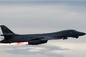 Oach tạc cơ Mỹ liên tiếp áp sát, Triều Tiên nổi giận