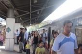 Sạt lở đất, hủy chạy tàu tuyến Hà Nội-Lào Cai