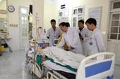 Bộ Y tế thăm bệnh nhân được mổ lấy panh sau 18,5 năm