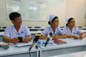 Tin mới vụ điều dưỡng cấp cứu bệnh nhân trên sàn nhà
