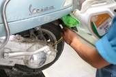 Thay dầu cho xe Vespa: Những điều ít người biết