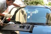 Xử lý kính chắn gió trên xe ôtô khi bị nứt