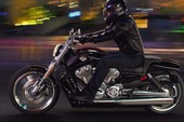 Bí quyết lái môtô an toàn vào ban đêm