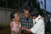 Ông Huỳnh Văn Nén ra khỏi trại tạm giam để chữa bệnh
