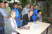 Chùm ảnh độc quyền: Ông Ban Ki - Moon làm gì tại nhà thờ họ Phan Huy?