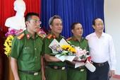 Thưởng lực lượng bắt kẻ đâm tài xế taxi ở Quảng Nam