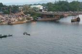 Dựng xe trên cầu Câu Lâu nhảy sông tự vẫn
