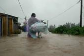 Đoàn công tác Thành ủy TP.HCM đến Quảng Nam cứu trợ