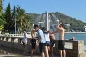 Vũng Tàu lắp vòi tắm tại Bãi Trước phục vụ dân