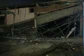 Điều tra vụ sập công trình siêu thị, 4 người bị thương
