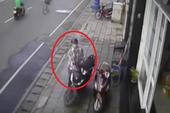 Cảnh giác: Trộm xe SH trước mặt các nhân viên bảo vệ