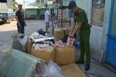 Phát hiện xe tải chở 600 kg sụn gà không rõ nguồn gốc
