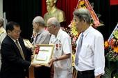 Lào tặng huân huy chương cho 33 người ở Đà Nẵng