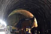Hầm Hải Vân chính thức đóng cửa để nổ mìn
