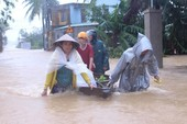Đà Nẵng lũ đang nhấn chìm hơn 2.500 nhà dân