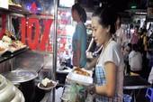 Chuyện lạ: Người bán bưng 'lên đời' vì dẹp vỉa hè