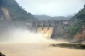 Lâm tặc lợi dụng thủy điện để vận chuyển gỗ trái phép