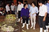 Bữa cơm dân oằn vai nữ 'tổng quản' Phạm Khánh Phong Lan