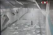 Trần nhà ga tàu điện ngầm Trung Quốc bất ngờ đổ sập