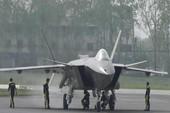 Trung Quốc sắp 'trình làng' tiêm kích tàng hình J-20